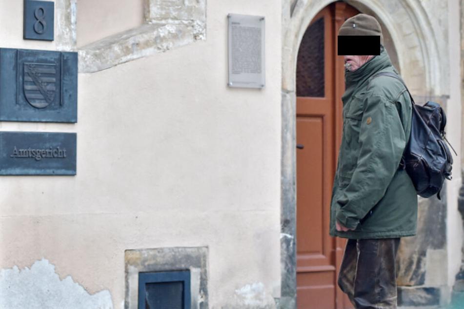 Verurteilt: Vogelhändler Wolfgang W. vor dem Gericht.