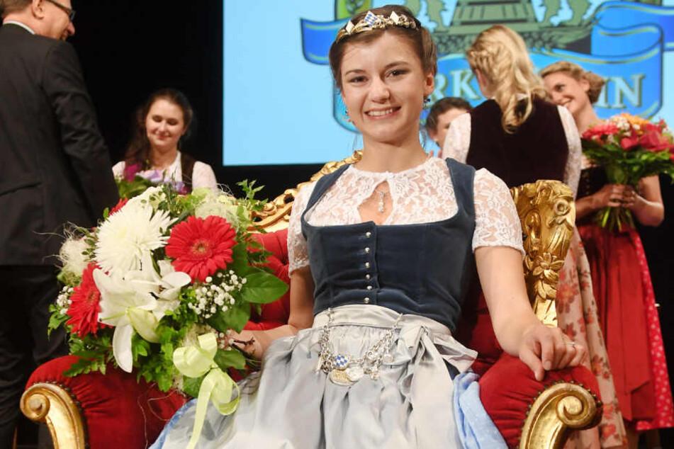 Die amtierende Bayerische Bierkönigin Lena Hochstraßer nach ihrem Sieg. Wird Patrick Karch sie vom Thron stoßen? (Archivbild)