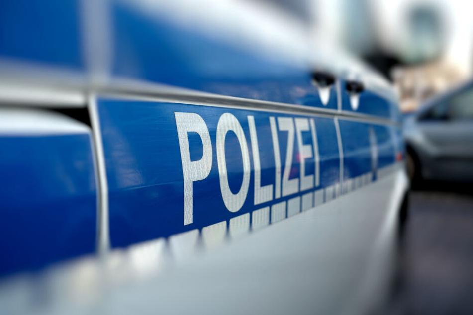 Die Polizei musste das gebiet weiträumig absperren (Symbolbild).