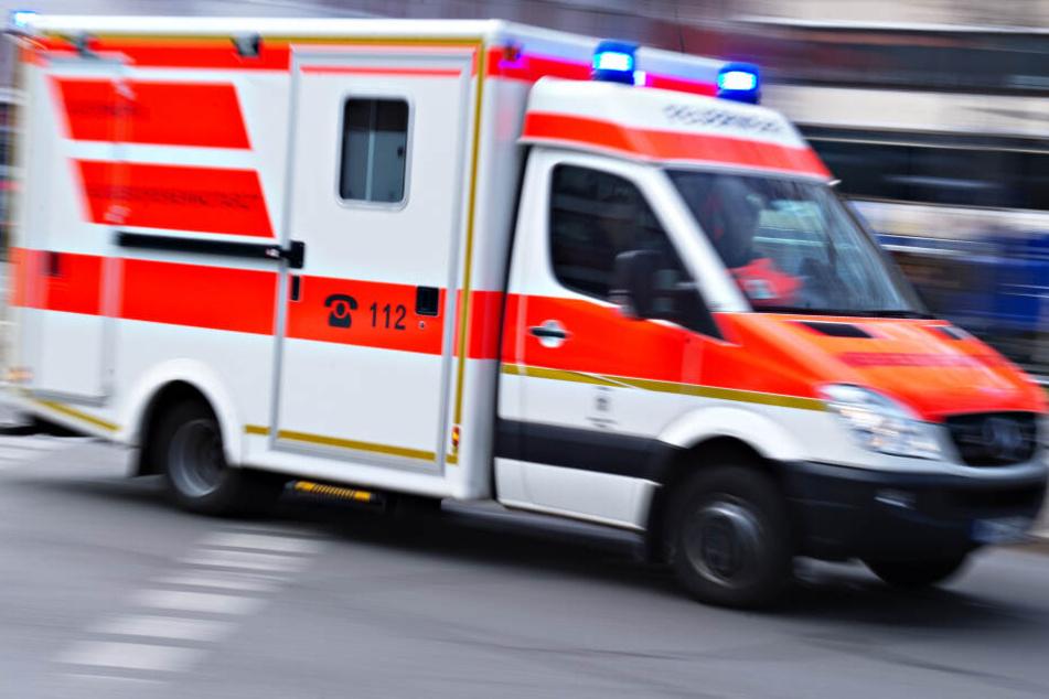 Die Retter konnten einen Patienten erst verzögert in die Klinik bringen. (Symbolbild)