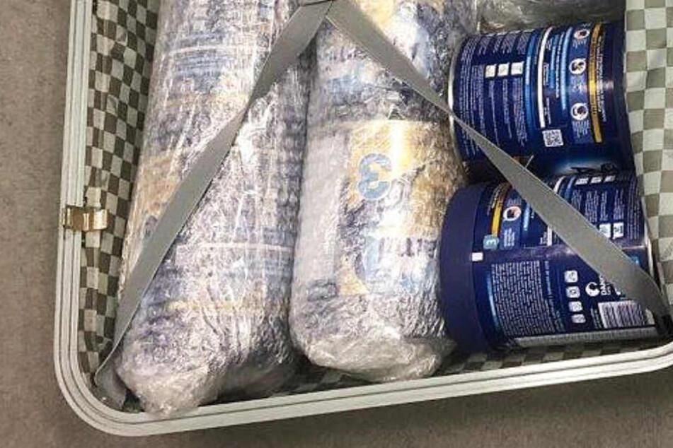 Das Kokain war in Milchpulver-Dosen verpackt.