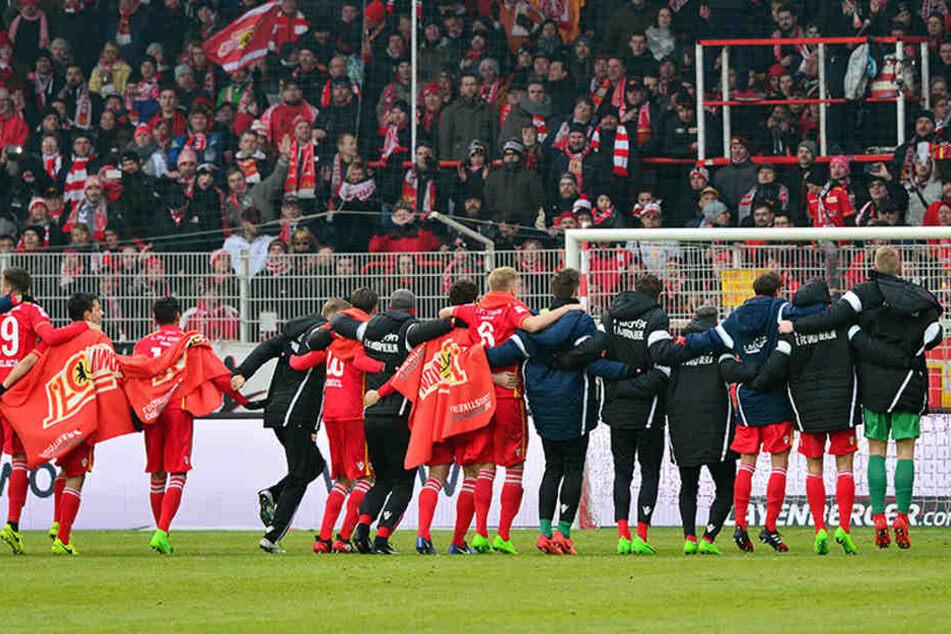 In der vergangenen Saison feierten die Berliner gegen Arminia ein 3:1-Sieg vor einer ebenfalls beeindruckenden Kulisse.