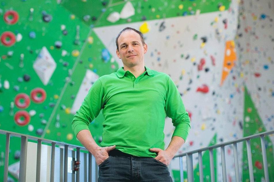 Christian Walther (47) ist Chef des Vereins, der demnächst in der Kirche  klettern will.