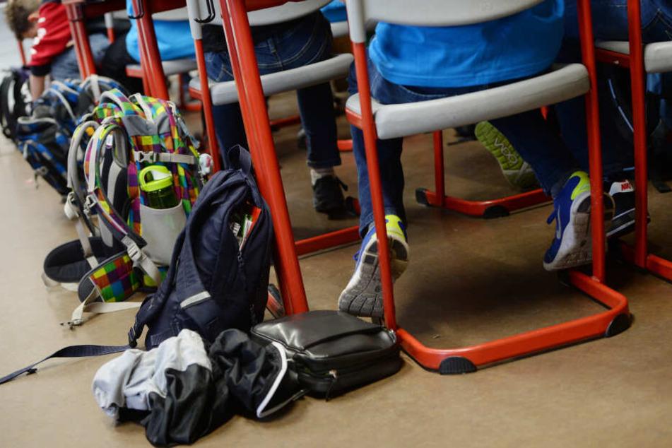 Weil sie nicht geimpft waren, wurden 107 Schüler an einer Gesamtschule in Hildesheim vom Unterricht ausgeschlossen. (Symbolbild)