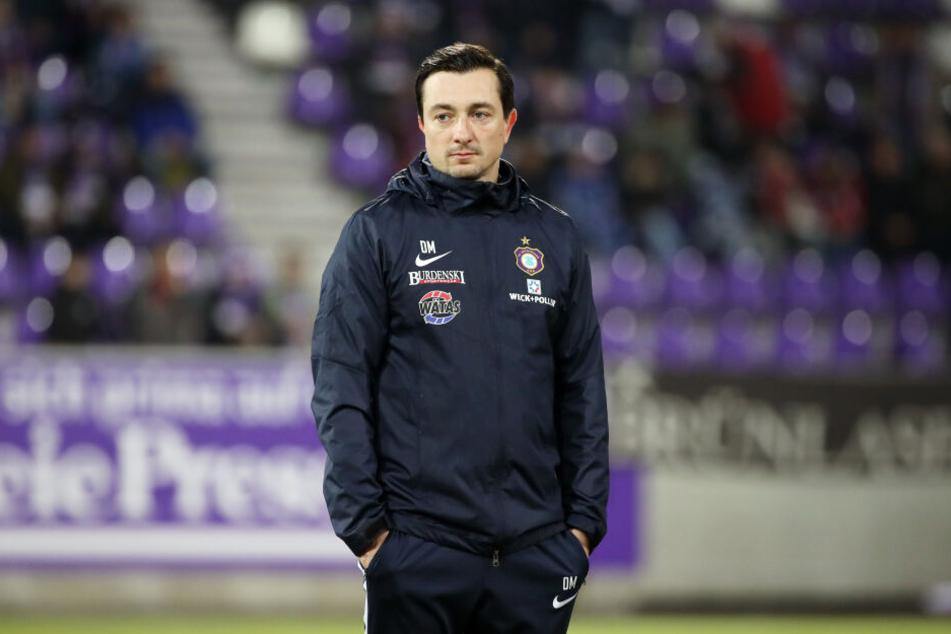 Daniel Meyer leitete am Samstag das Aufwärmprogramm der Veilchen, Co-Trainer Lenk war nicht da.
