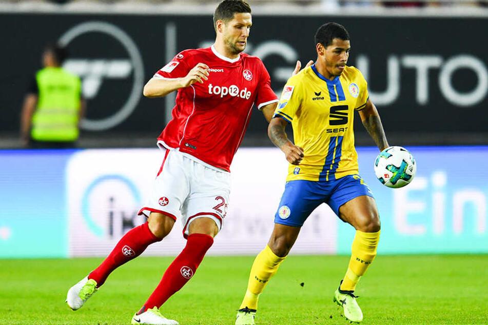 Der frühere Braunschweiger Onel Hernandez (r.) hat mit sieben Toren und acht direkten Vorlagen großen Anteil am Erfolg von Norwich City.