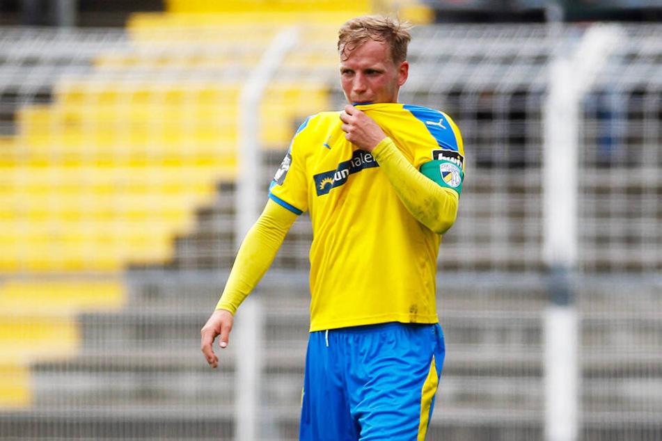 Zum Verzweifeln: Jenas Kapitän René Eckardt musste mit seinem FCC trotz starker kämpferischer Leistung eine ärgerliche Niederlage hinnehmen.