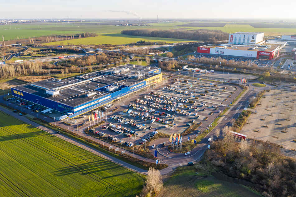 Am Montag waren das Einkaufszentrum Nova und der IKEA in Günthersdorf noch gut besucht.
