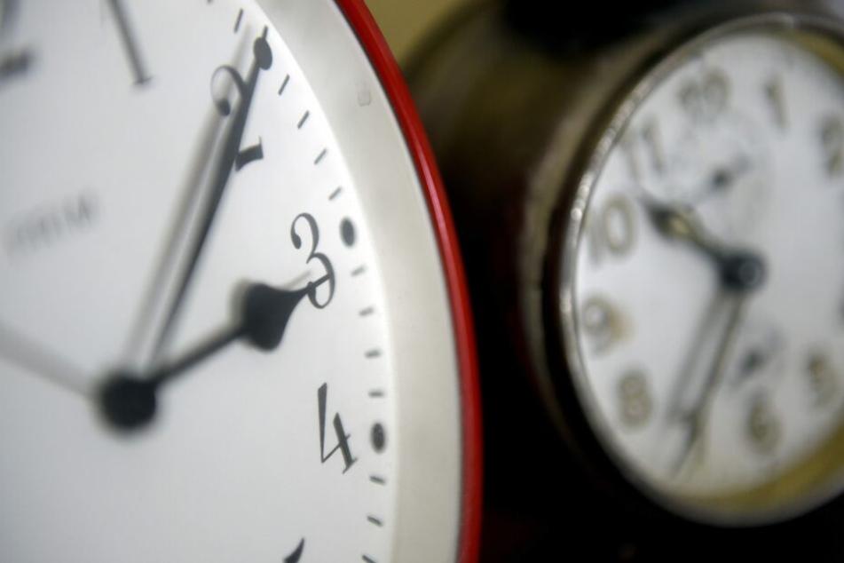 Im vergangenen Jahr sollte die Abschaffung der Zeitumstellung ganz schnell gehen. Doch das Projekt ist ins Stocken geraten.