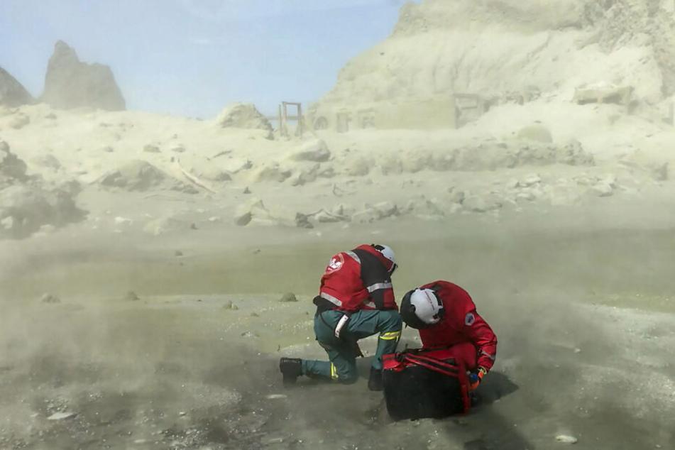 Rettungskräfte auf der Vulkaninsel White Island.