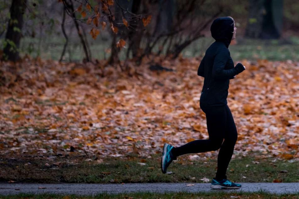 Betrunkene Frau geht im Dunklen joggen: Was dann passiert, kostet sie fast das Leben