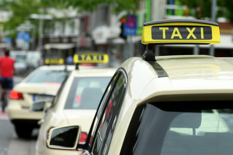 Krieg der Chauffier-Dienste: Taxi-Fahrer gehen gegen Minicars auf die Barrikaden