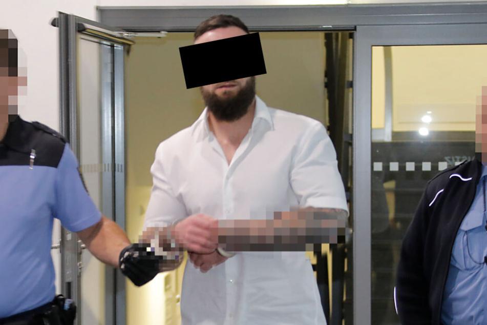Gemeinsam mit J. soll Lars S. (34, im Bild) ein Auto der Marke SsangYong und Werkzeug (Stehlschaden: 64000 Euro) gestohlen haben.