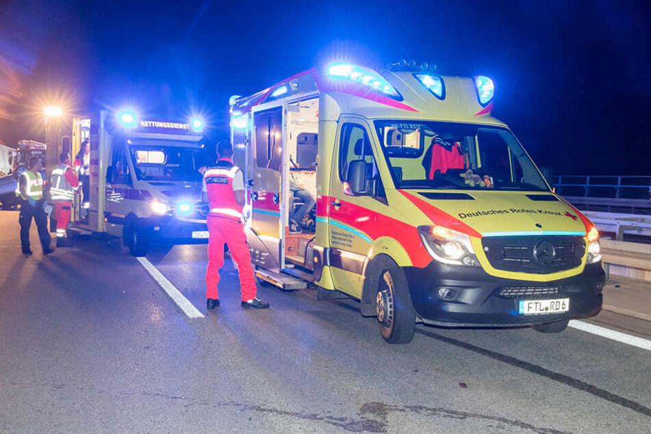 Auf der A17 beobachtete ein Zeuge einen merkwürdigen Vorfall dreier Pkw.