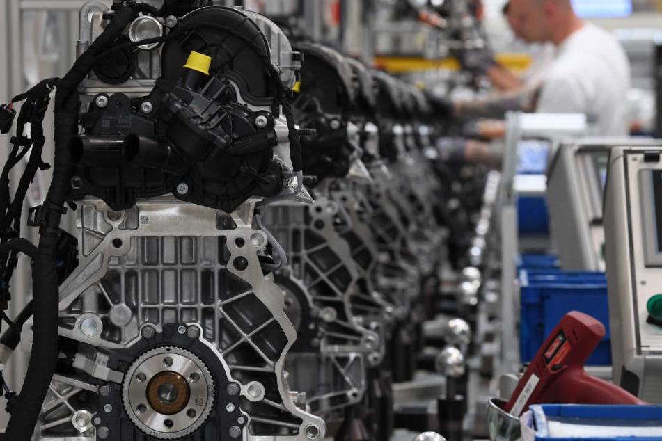 In Chemnitzer Motorenwerk werden täglich rund 3200 Motoren gefertigt. (Archivbild)