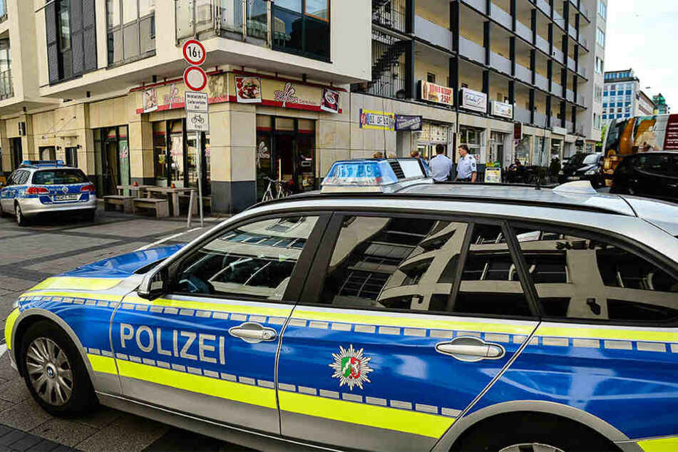 Gleich zweimal hintereinander musste die Polizei zwei rivalisierende Gruppen voneinander trennen.