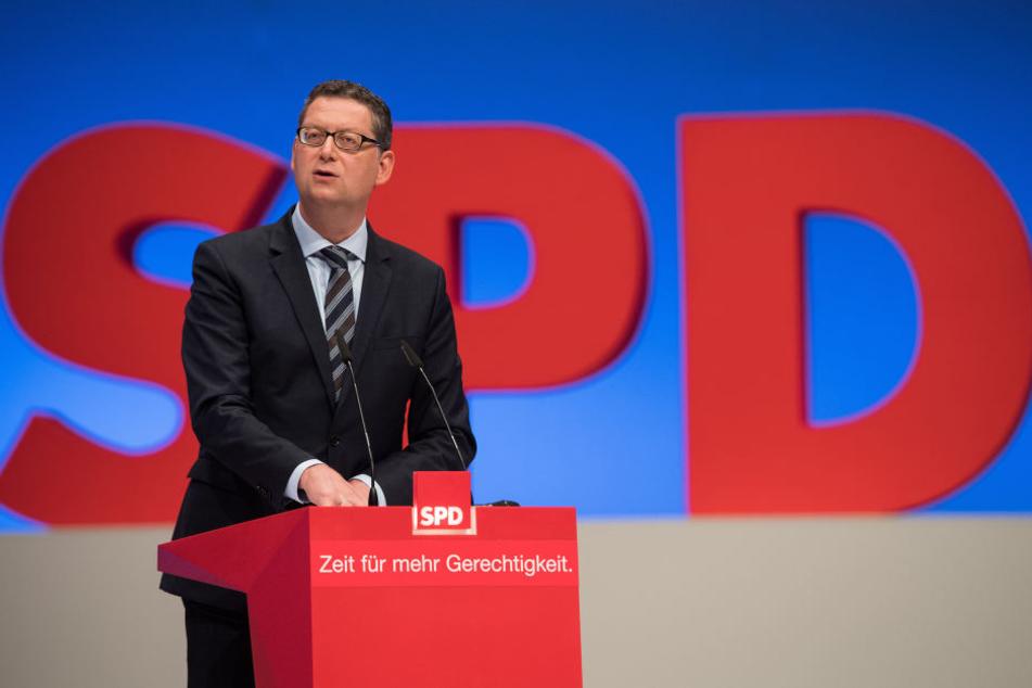 SPD-Fraktionschef Schäfer-Gümbel sieht die Pläne des Verkehrsminister zu weit in der Zukunft. (Symbolbild)