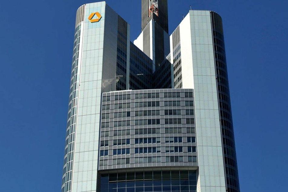 Im Commerzbank Tower in Frankfurt am Main findet am 6. April das Finale des HSG Alumni Gründerpitchs 2019 statt.