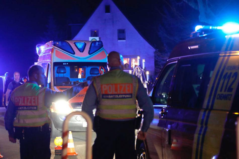 Feuerwehr und Polizei waren mit einem Großaufgebot vor Ort.