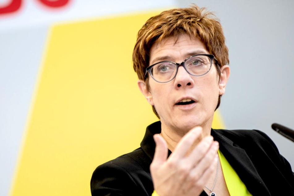 CDU-Chefin will's weder mit der AfD noch den Linken machen!