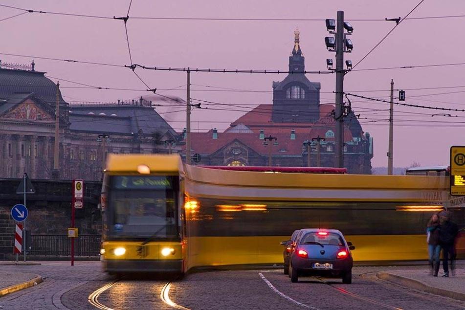Die Dresdner Verkehrsbetriebe wollen künftig den Nachtverkehr an Wochenenden enger takten.