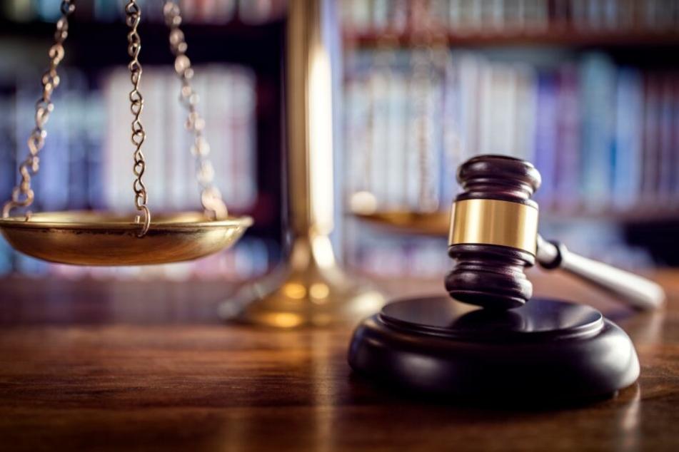 Streit endet tödlich: 28-Jähriger sticht mit Messer zu