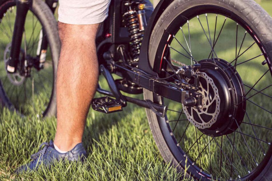 Achtung! E-Bikes sind bequem, können aber auch gefährlich sein. (Symbolbild)