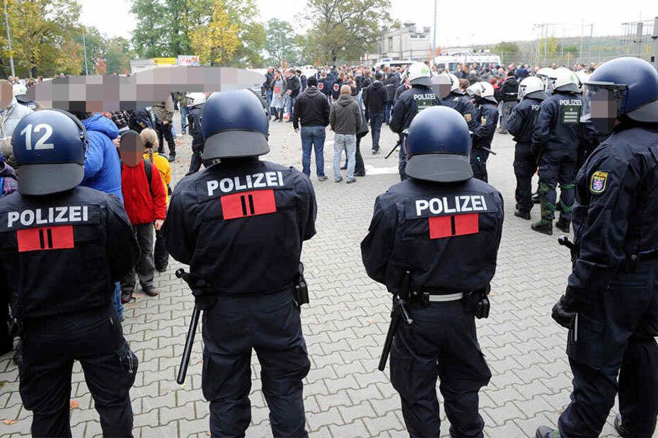 Im Landespokalfinale zwischen dem LSV Stahlfeuer und Roter Stern Leipzig kam es Mitte Juni zu gewaltsamen Ausschreitungen (Symbolbild).