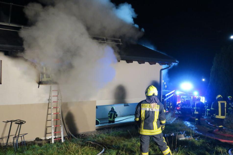 Brand im Erzgebirge: Gästezimmer brennt völlig aus