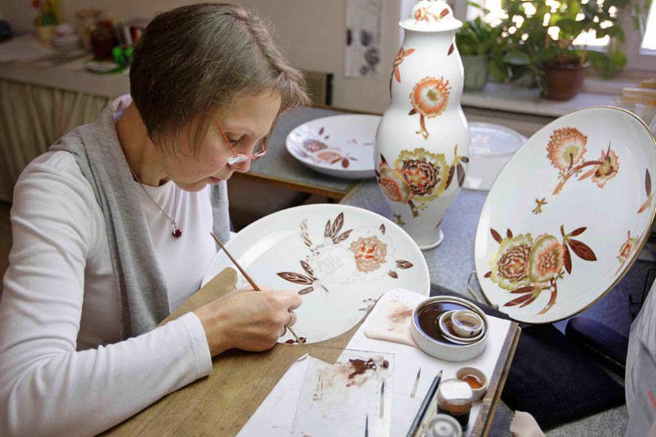 Die Porzellanmalerei der Porzellan-Manufaktur in Meißen ist noch echte Handarbeit.
