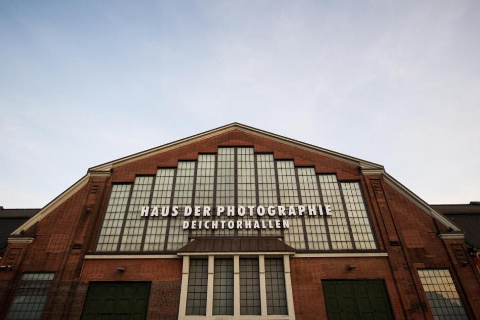"""Die Deichtorhallen, die auch """"Haus der Photographie"""" heißen. Wie der Name schon verrät, gibt es hier häufig Fotoausstellungen."""