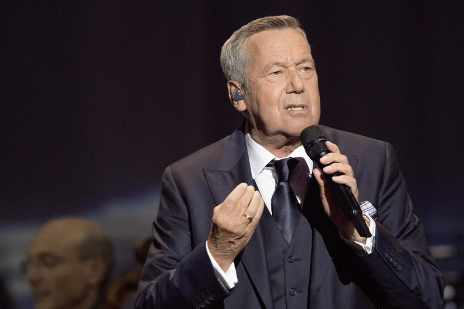 Roland Kaiser (69) kündigt die neue CD-Edition an.