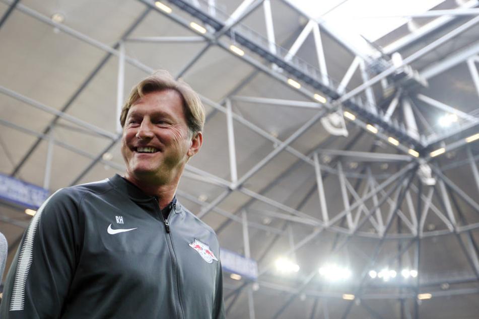Da freut sich einer. Egal, wen RB Leipzig heute zugelost bekommt: Trainer Ralph Hasenhüttl freut sich sicher über jeden Gegner.
