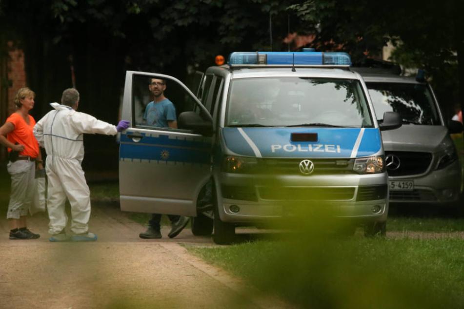Jugendliche (15) stirbt nach Messerangriff im Park: Verdächtiger stellt sich Polizei