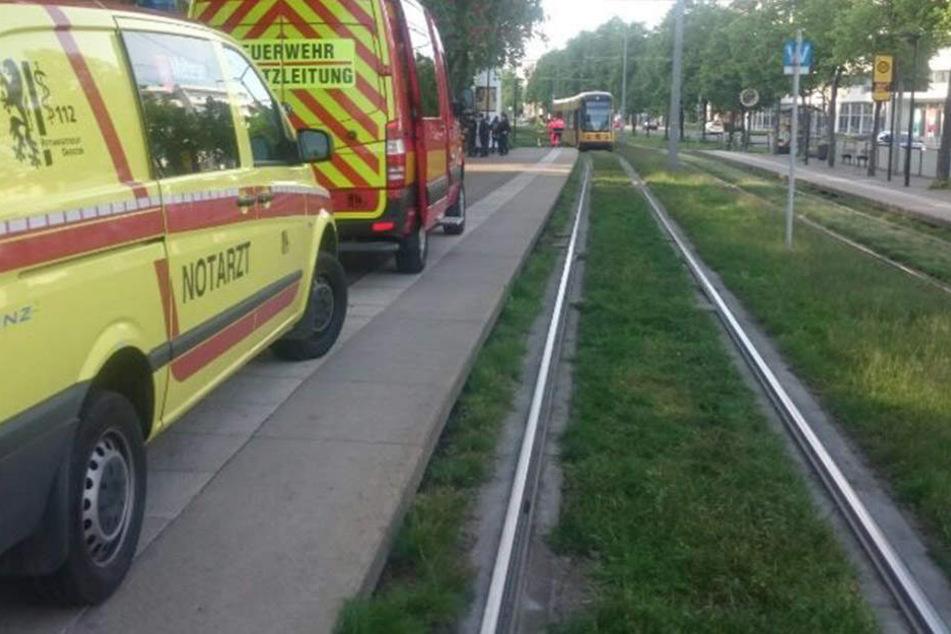 Am Carolaplatz wurde ein Fußgänger von der Straßenbahn überrollt.