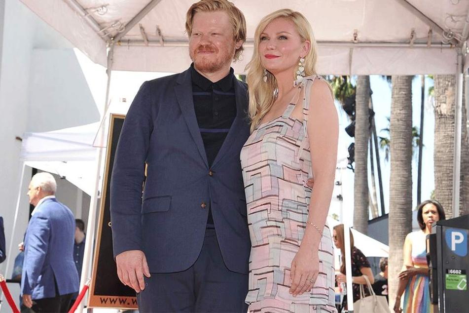 """Spendet hoffentlich etwas Trost: Kirsten Dunst und ihr Verlobter Jesse Plemons enthüllten kürzlich die Sternenplakette für die Aktrice auf dem """"Walk of Fame""""."""