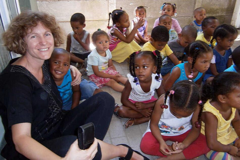 Christine Bendel ist eine Frau, die gerne lacht. Ihre positive Ausstrahlung hilft ihr bei ihrer schweren ehrenamtlichen Arbeit.