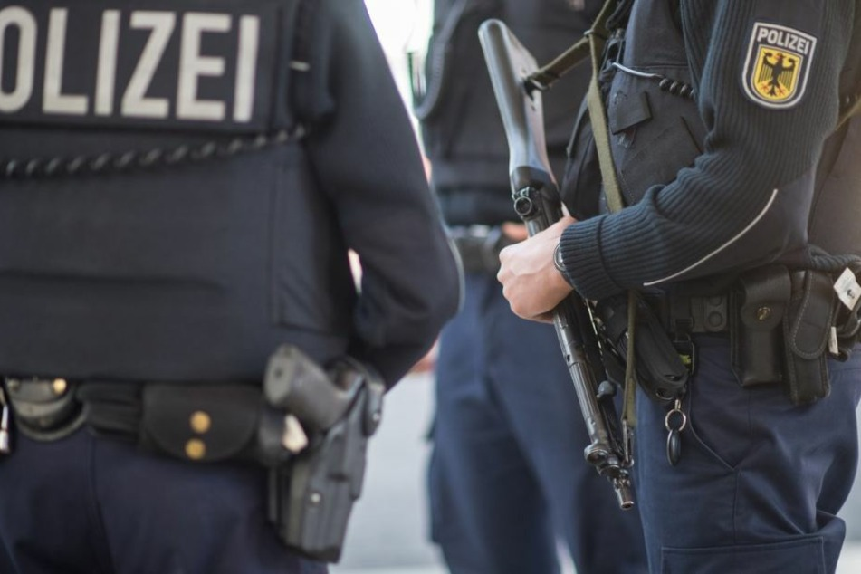 Die Polizei nahm den Betrunkenen schließlich fest. (Symbolbild)