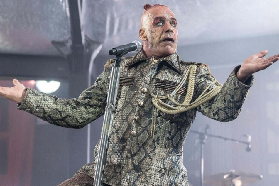 Rammstein-Frontsänger Till Lindemann während des Konzerts in der Frankfurter Commerzbank-Arena. (Archivbild)