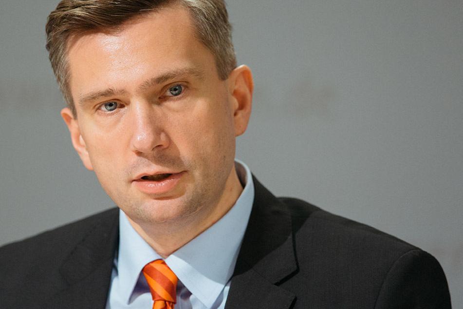 Auch nach dem Treffen mit Wirtschaftsminister Martin Dulig (44, SPD)