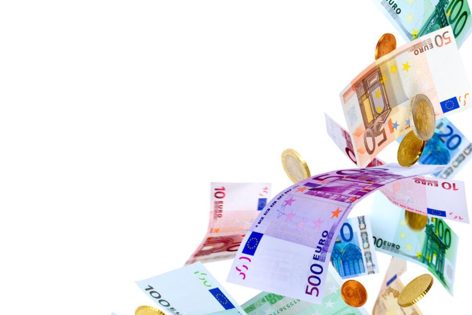 Den Landtagsabgeordneten in Düsseldorf fliegt mehr Geld zu.