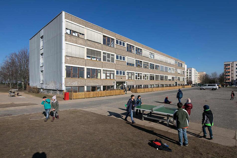 Die 117. Grundschule im Univiertel in der Südvorstadt ist derzeit wegen Sanierungsarbeiten an den Höckendorfer Weg ausgelagert.