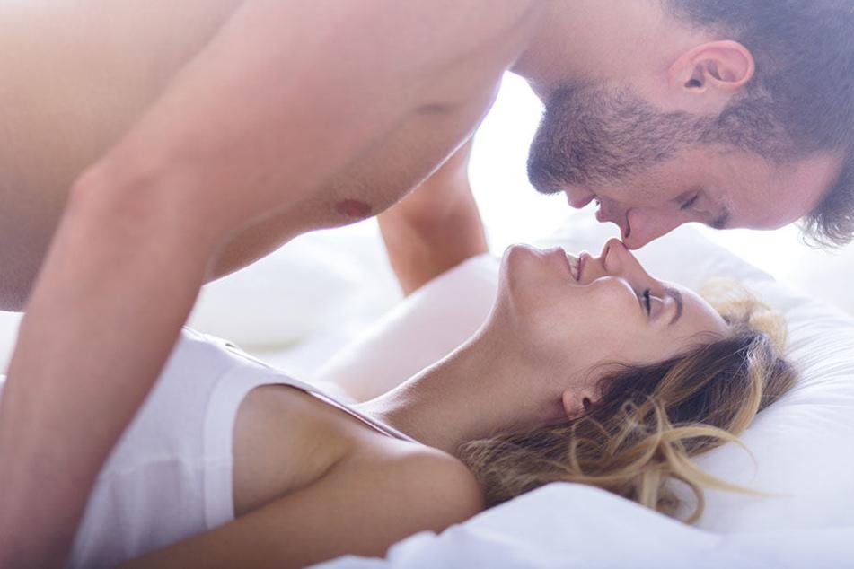 Wenn die Lust auf Sex fehlt, können körperliche, aber auch psychische Faktoren die Ursache sein.