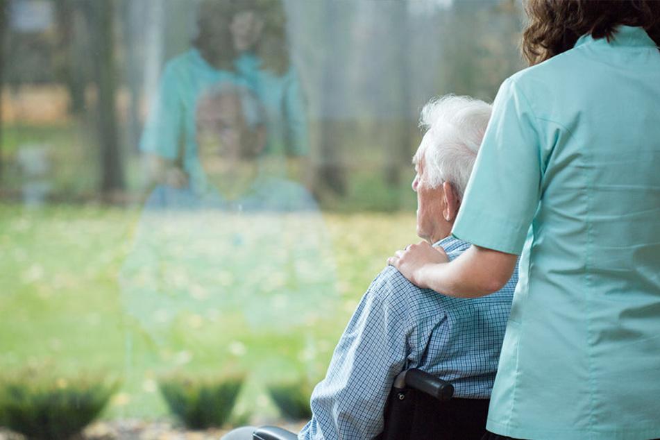 Fast 3 Millionen Menschen in Deutschland sind pflegebedürftig - tendenz steigend.