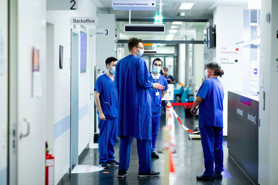 Krankenhäuser schlagen Alarm: Zweite Corona-Welle kaum durchzuhalten