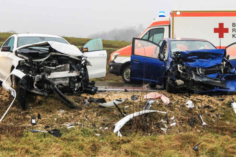 Auf der Bundesstraße 22 ist es in Bayern zu einem schweren Unfall gekommen.