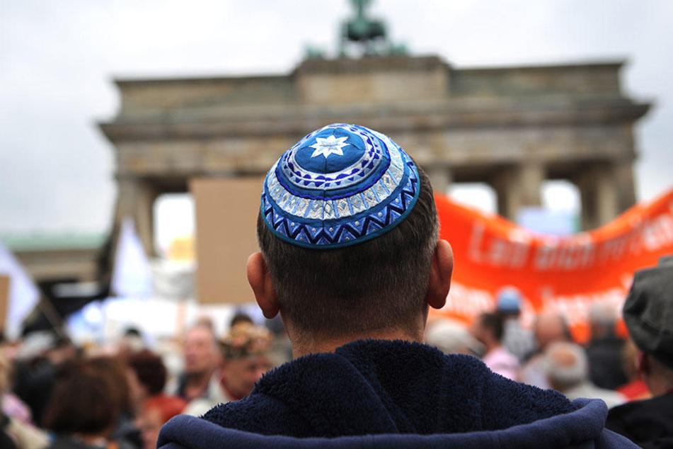 """Wallah, Hitler war gut!"" 18-jähriger Jude von Mitschülerin attackiert"