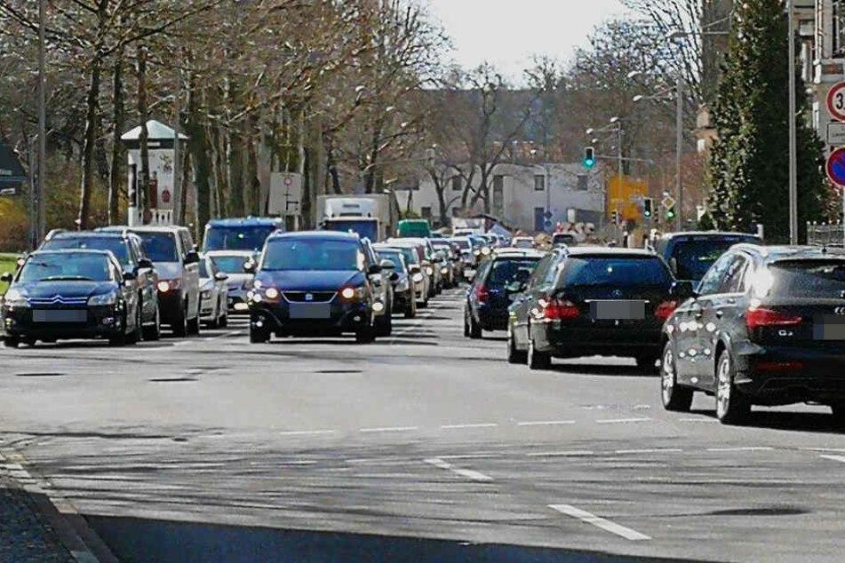 Auch am Floßplatz stand der Verkehr zeitweise still.