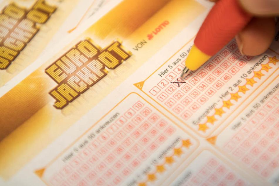 Irre: Ein Spieler setzte zwölf Euro ein, der andere vier. (Symbolbild)
