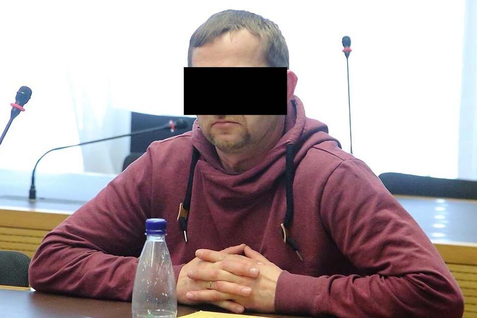 Ronny R. (39) versuchte, Drogen zu schmuggeln. Die Aktion landete vor Gericht.